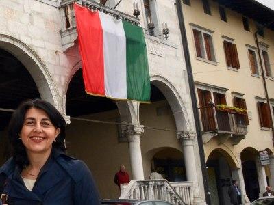 Debora Serracchiani (Presidente Friuli Venezia Giulia) e Maria Grazia Santoro (Assessore regionale Infrastrutture, Mobilità, Pianificazione territoriale, Lavori pubblici, Università). (Gemona del Friuli 06/05/13)