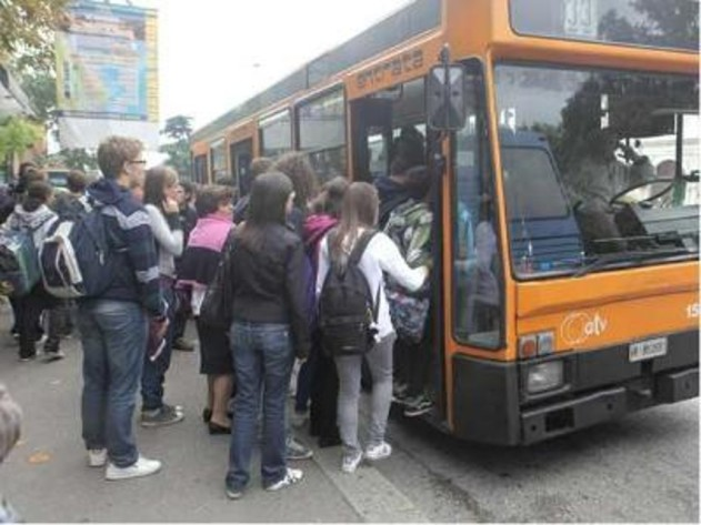 studenti sui bus toscana