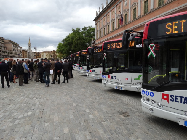 Mobility Press | Reggio Emilia: illuminazione interna bus Solaris ...